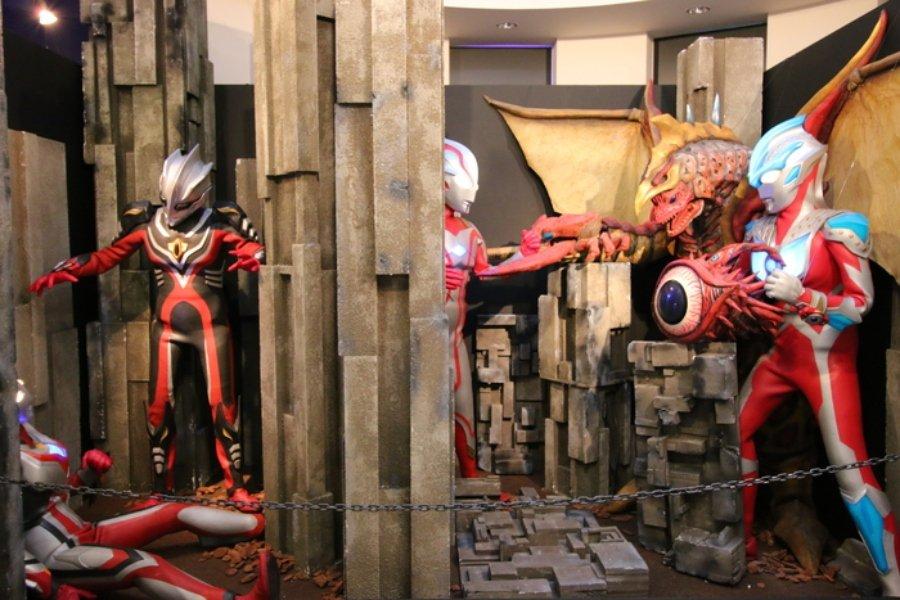 personajes de manga a escala Bocetos de Osamu Tezuka en el Museo del Manga