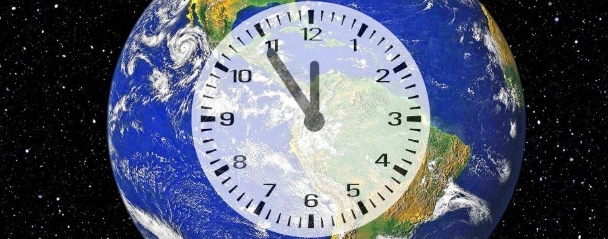 Reloj de Nueva York muestra conteo del desastre climático