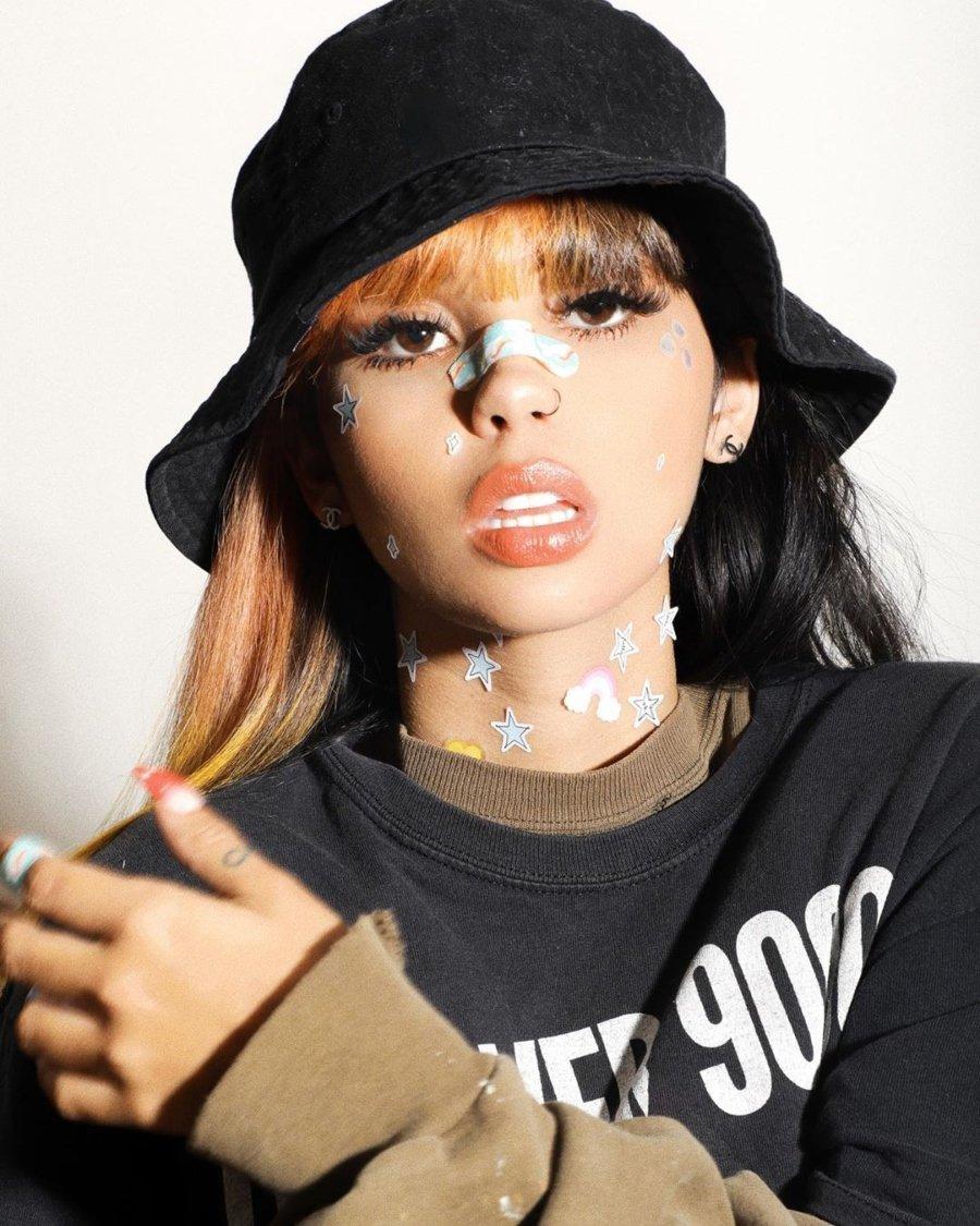 Retrato de la cantante venezolana Andrekza