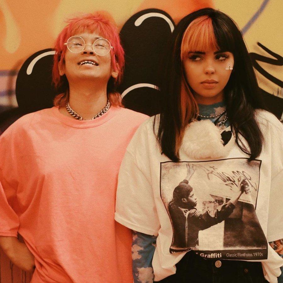Retrato de la cantante venezolana Andrekza junto a su productor Yuta