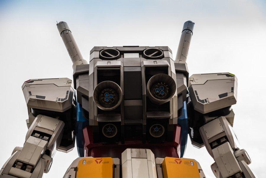 Un robot gigante habita las calles de Yokohama