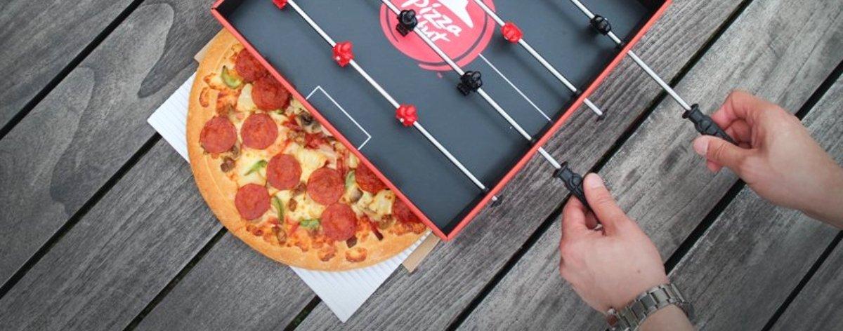 Pizza Hut y Ogilvy presentan caja de pizza con futbolito