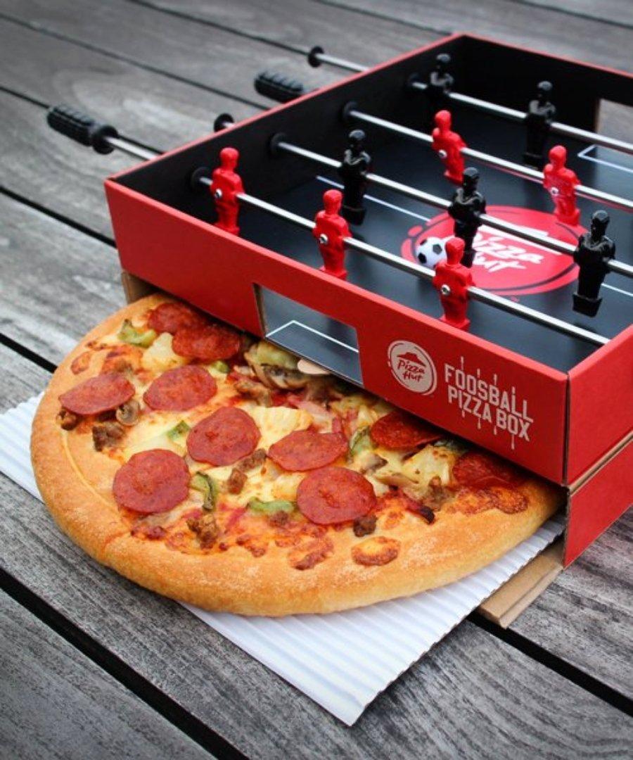 Pizza Hut y Ogilvy presentan caja de pizza futbolito