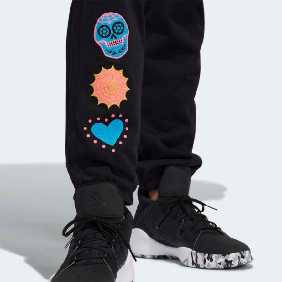 Pants de edición 2 de Noviembre por adidas