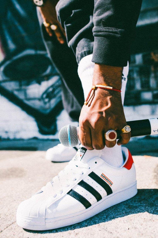 Parte de la colección del 50 aniversario de Superstar de Adidas con RUN-DMC