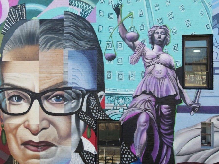 Mural de Elle Streetart en homenaje a Ruth Bader