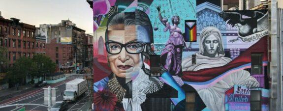 Homenaje a Ruth Bader en nuevo mural en Nueva York