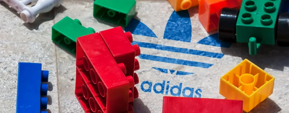 LEGO y adidas sorprenden con anuncio de colaboración