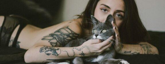 Lucía Serrano: disidencia feminista a través del tatuaje