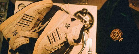 Adidas Forum 84Hi, el par de zapatillas pro cultura en España