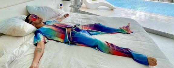 J Balvin y Felipe Pantone crearon pijama colorida