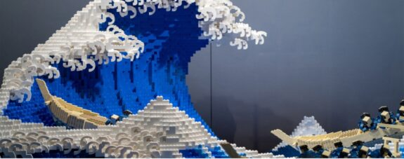 La gran ola de Kanagawa recreada con 50 mil LEGO