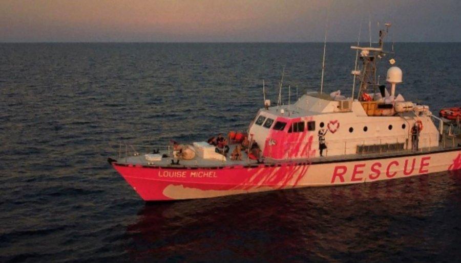 Barco Louis Michael financiado por el artista británico