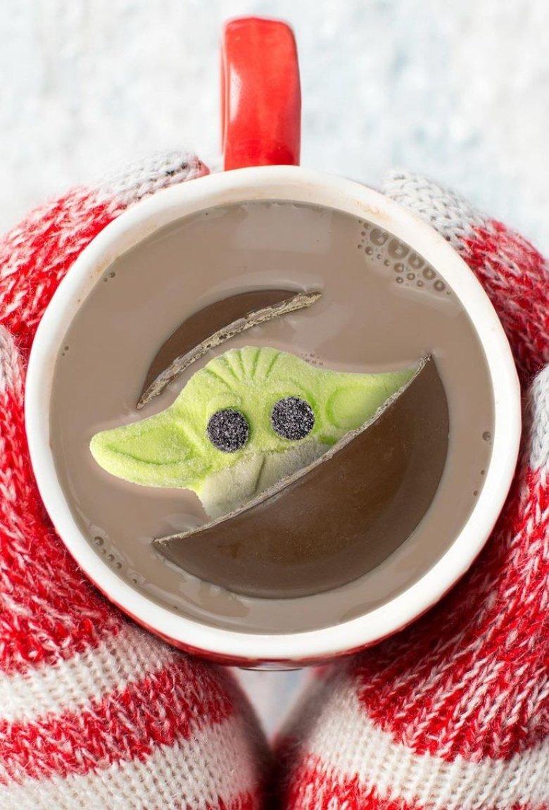 Malvavisco de Baby Yoda para el chocolate navideño