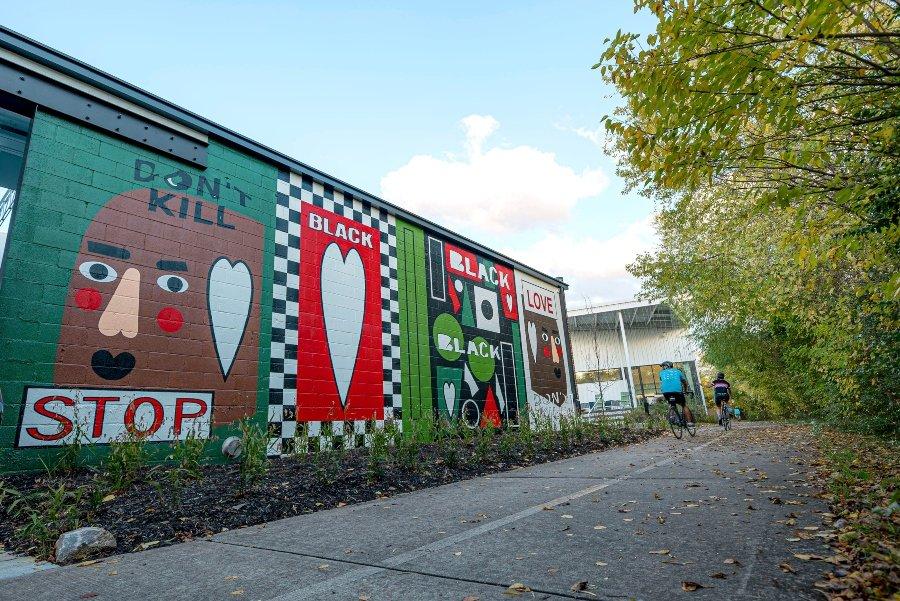 Aspecto del nuevo mural de Nina Chanel Abney