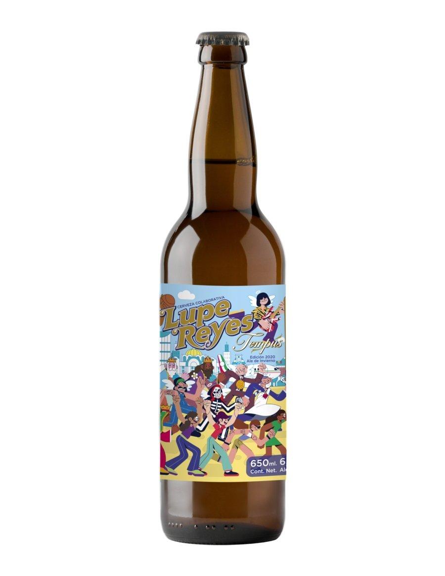 botella con etiqueta de colores