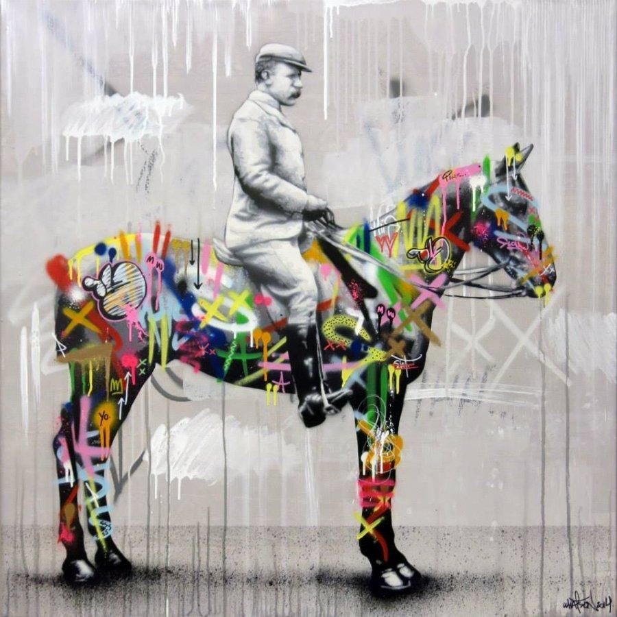 Hombre sentado sobre su caballo street art