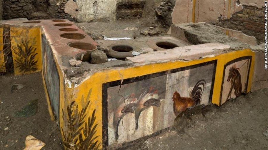 Puesto de comida callejera es descubierto en Pompeya