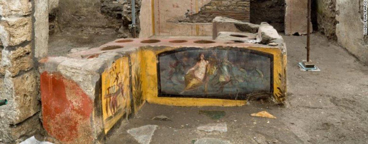 Descubren puesto de comida en Pompeya de más de 2 mil años