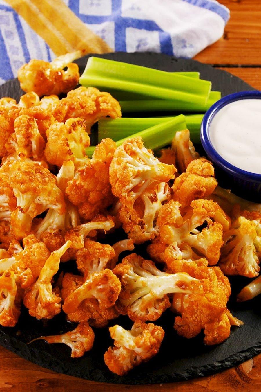 Botanas para el Super Bowl; recetas de alitas vegetarianas hechas con coliflor