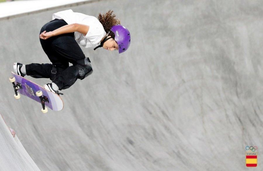 Campeonato Street de skateboarding España 2021; mujer haciendo skate
