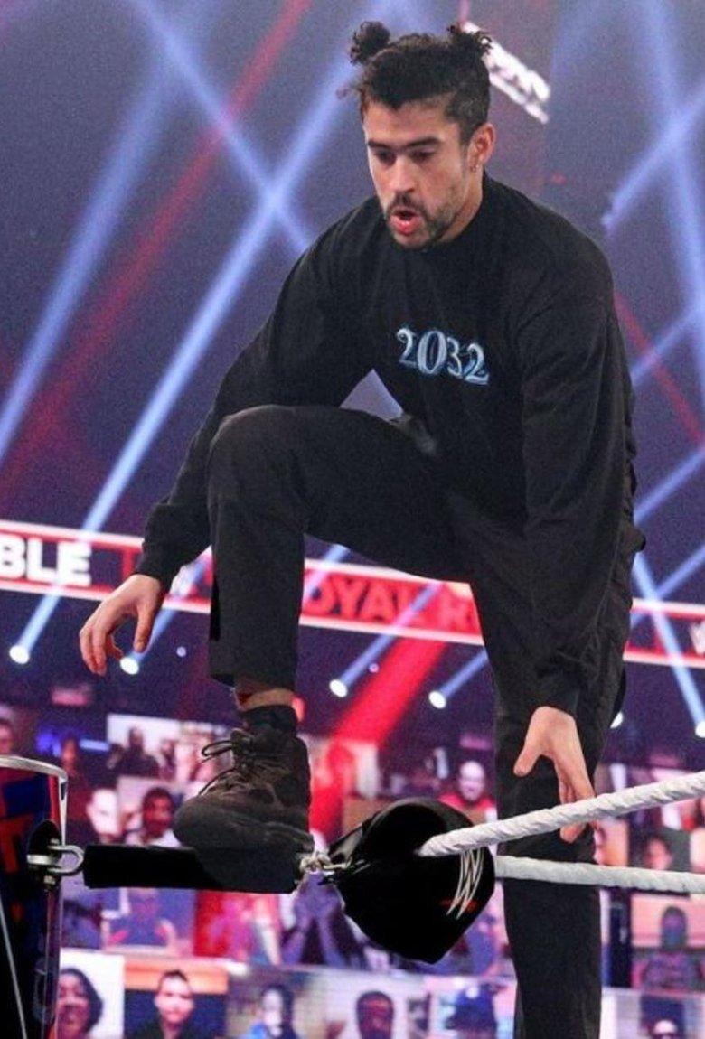 Bad Bunny como luchador invitado en la WWE 2021