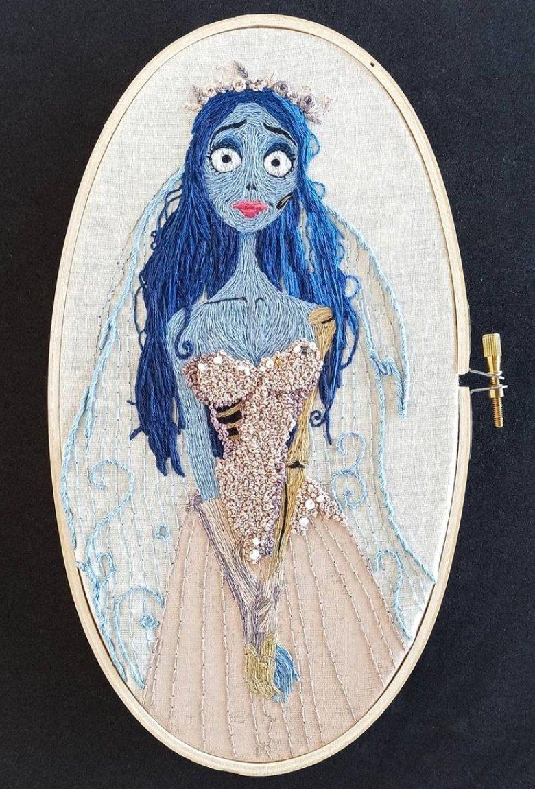 Brenda Risquez: retratos y obras bordadas