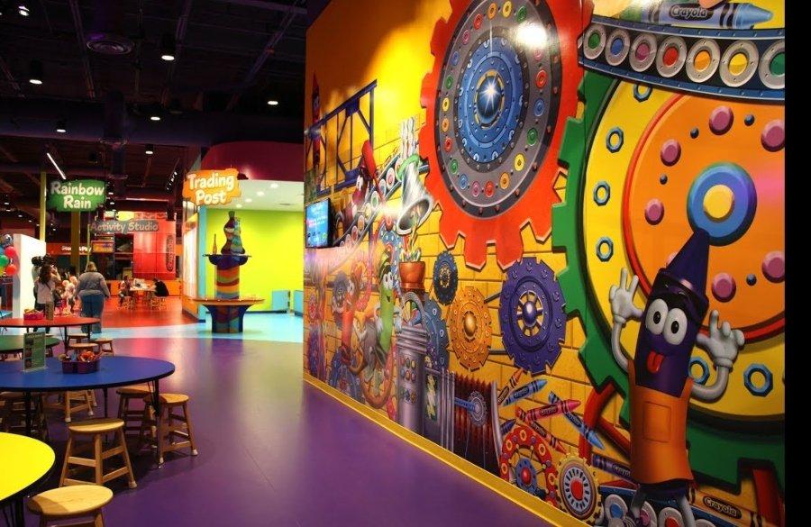 Salón de juegos de Crayola Experience