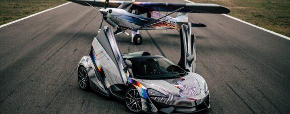 Felipe Pantone intervino un auto de carreras y un avión