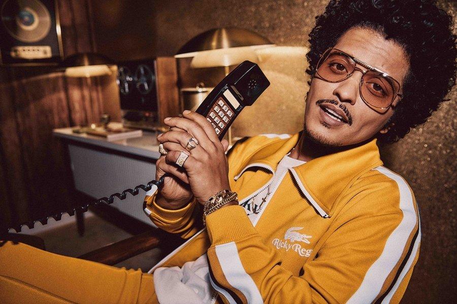 Bruno Mars presenta la colección de Ricky Regal con Lacoste