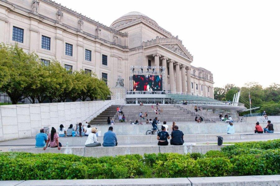 Fachada exterior del Brooklyn Museum