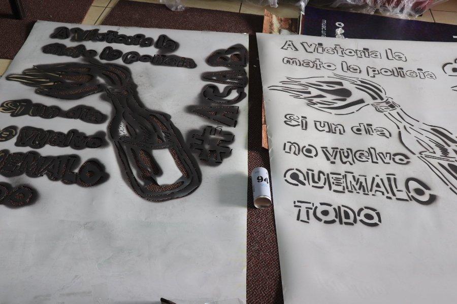 """Intervención """"A Victoria la mató la policía"""" por Grupo D3 CHOK3"""
