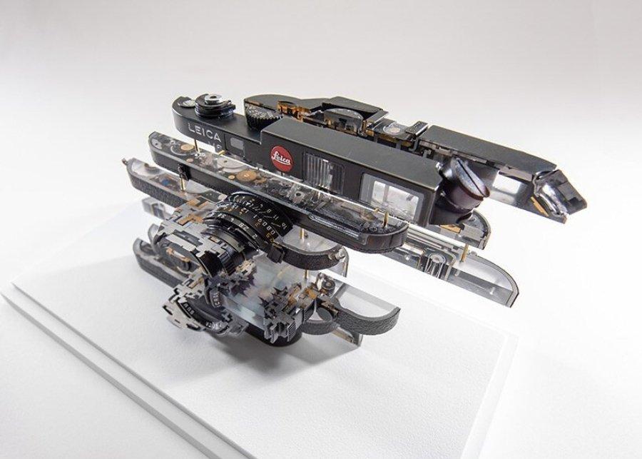 objeto heisenberg III - leica M6 | 20 x 15 x 5 cm | aluminio, vidrio, resina | 2021