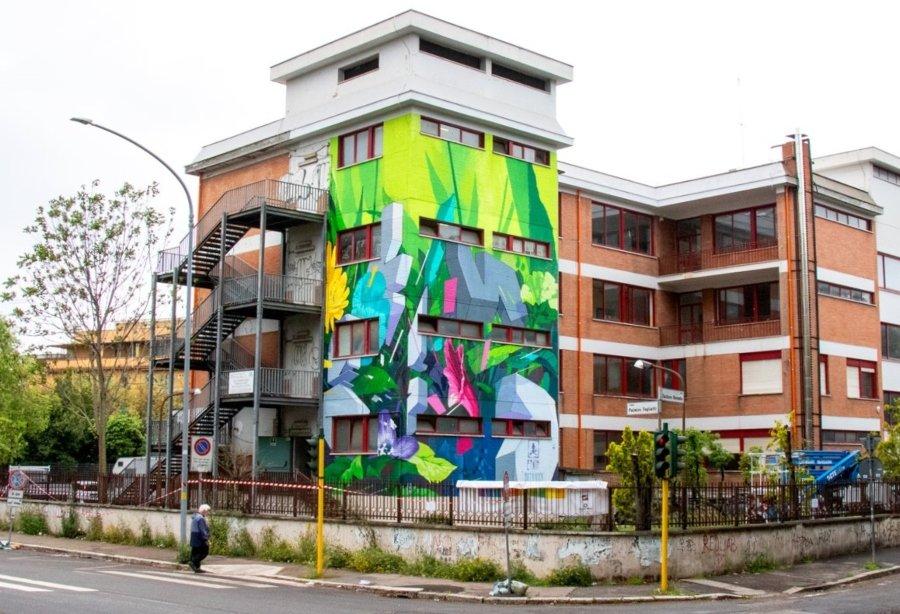 "Mural ""Botánica Resistente"" de Etnik en Roma"