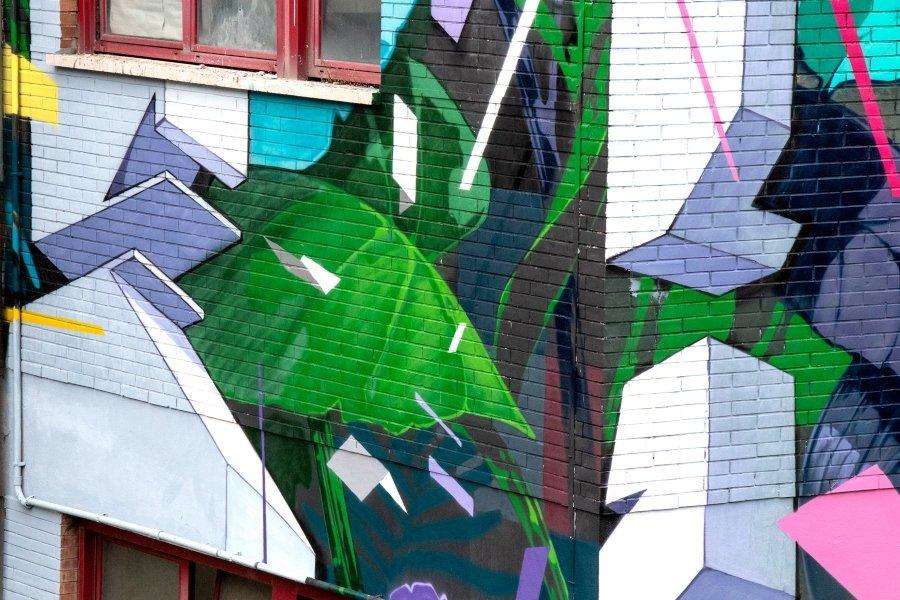 """Mural """"Botánica Resistente"""" en Roma"""
