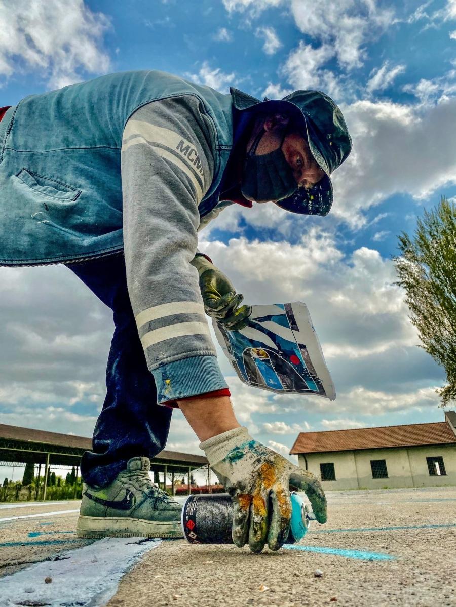 Cancha de básquetbol intervenida de street art