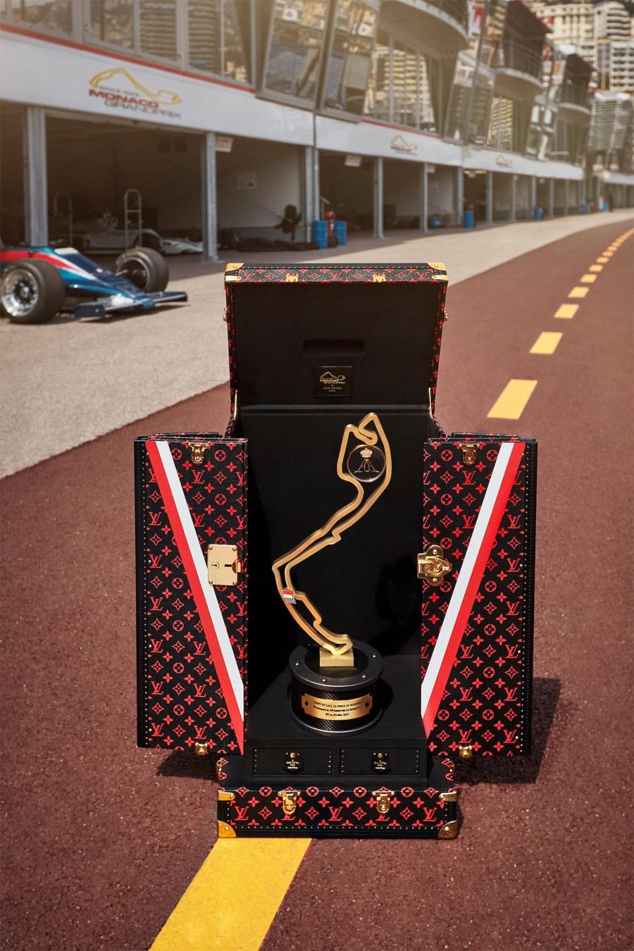 Trofeo de formula 1 por Louis Vuitton
