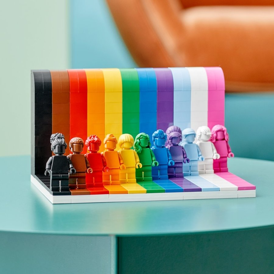 """Set LEGO """"Everyone is Awesome"""""""