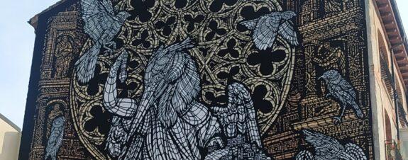 Monkey Bird presentó este padrísimo mural en la ciudad de Burgos