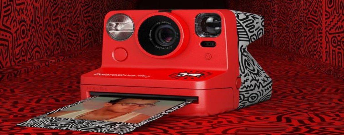 Polaroid lanza cámara instantánea inspirada en Keith Haring