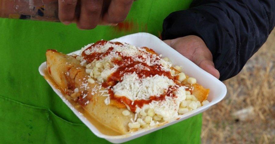 Tamaelotes, la nueva comida callejera de Tijuana