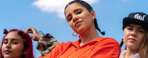 Santos Woge, del feminismo a seguir tus sueños en su EP debut