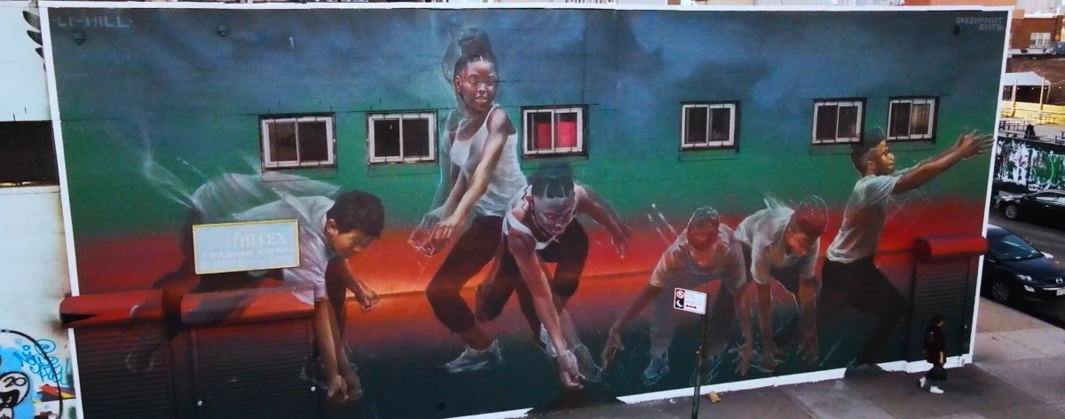 Aaron Li-Hill y GreenPoint EARTH presentaron el mural «New Futures»