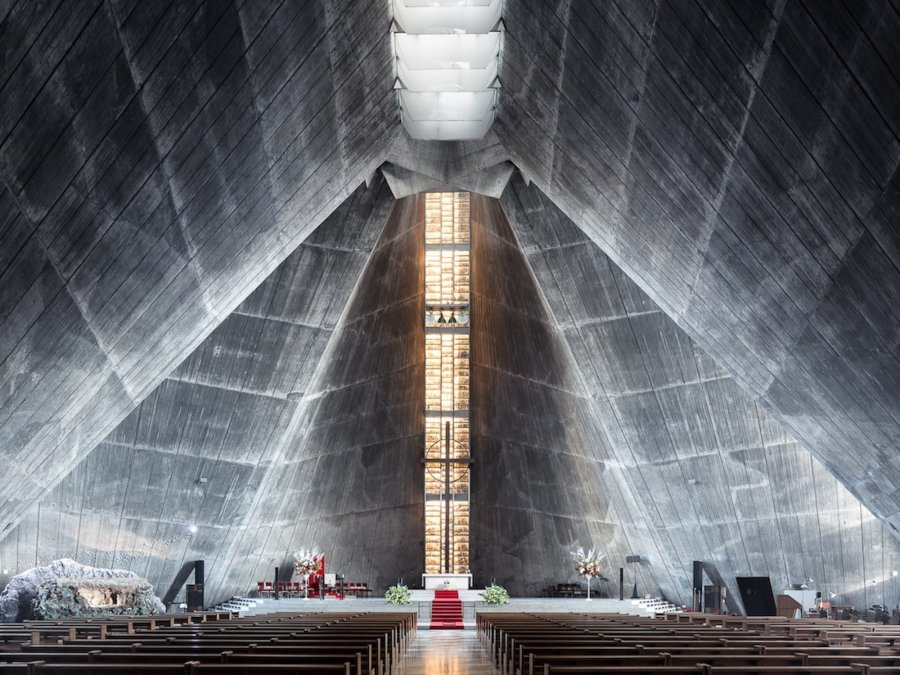 Catedral de Santa María, Tokio, Japón (Kenzo Tange, 1964)