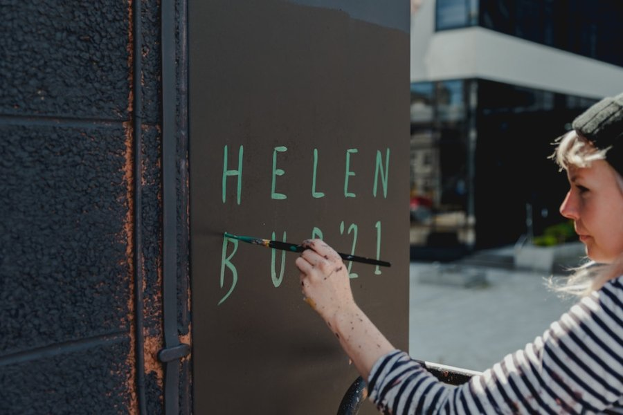 Mural por Helen Bur