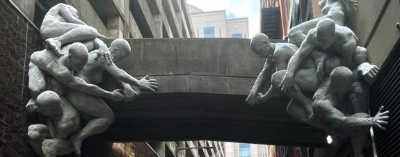 Antonio Horn nos presenta su increíble escultura «ContraFuerte»